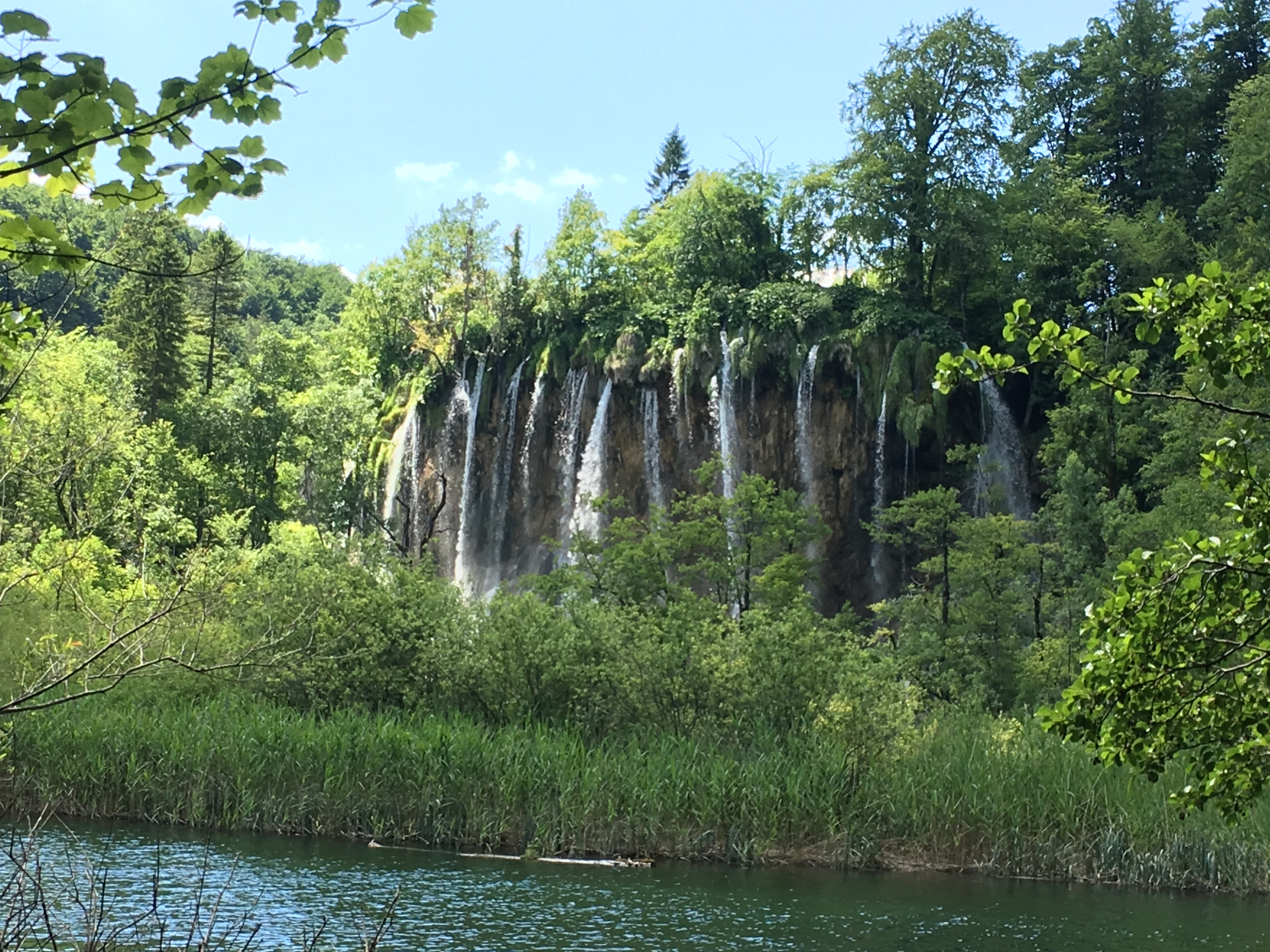 croatia-plitvice-lakes-national-park-waterfalls